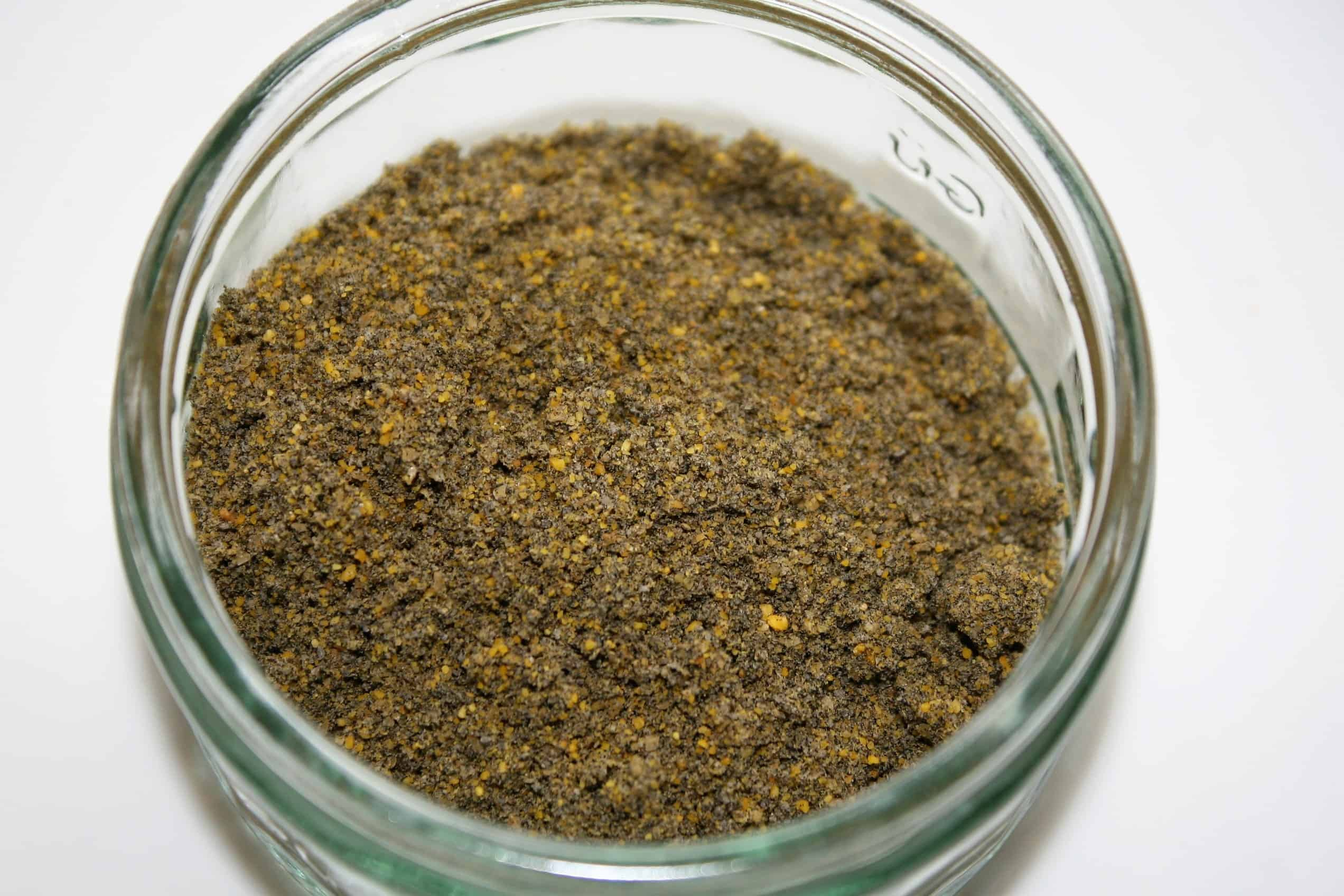 Black seed and fenugreek seed powder